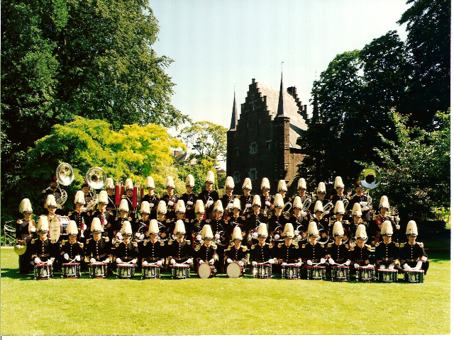 Nieuwe uniformen en nieuw slagwerk 1995