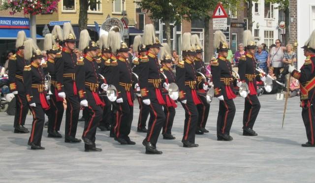 Jachthoorn- & Trompetterkorps schittert tijdens het 10-jarig jubileum van Taptoe Heerenveen